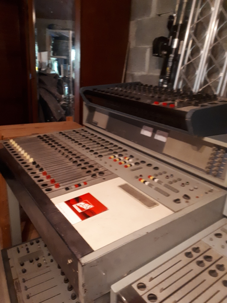 Collection les Sudistes la radio.Console Studio B