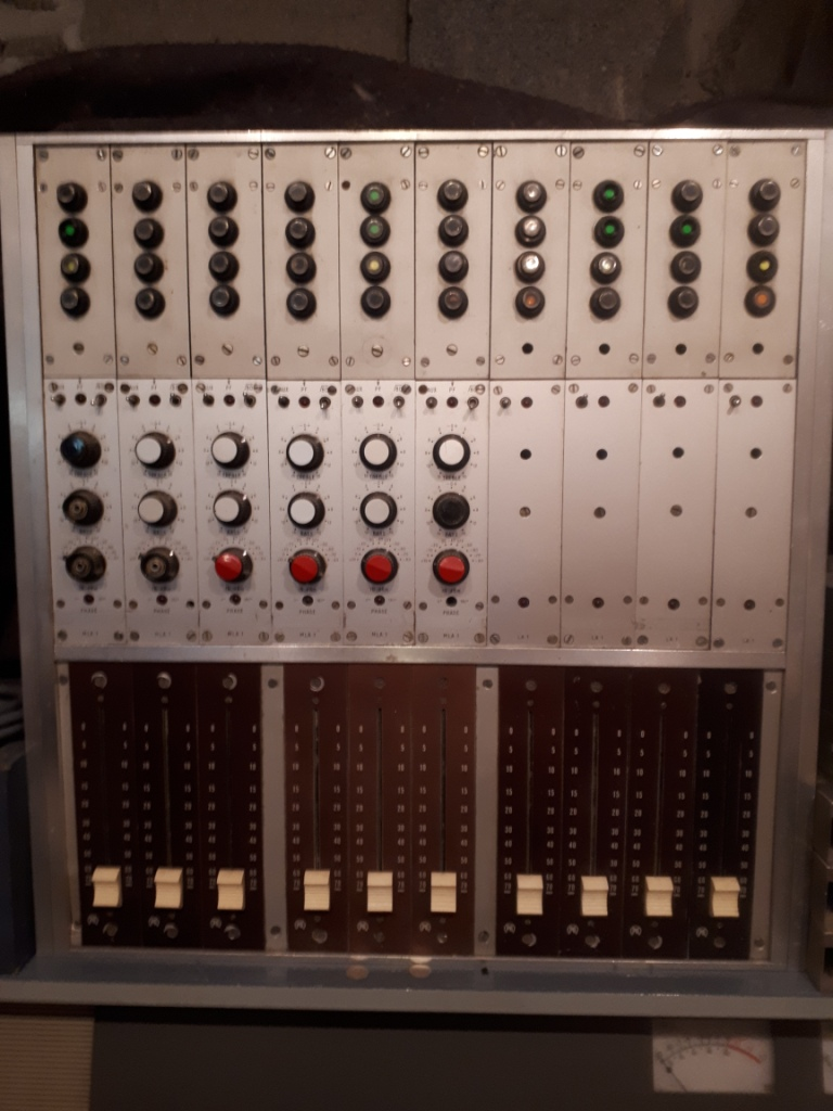 Collection_les_sudistes_la_radio.Console_CDM